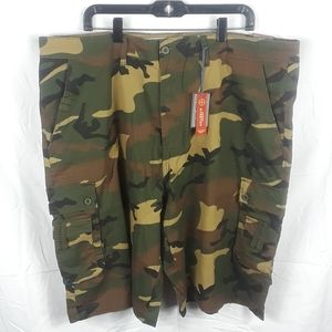 Beverly Hills Polo Club Camo Cargo Shorts size 44